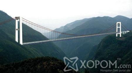 Дэлхийн хамгийн өндөр дүүжин гүүр Хятадад баригдаж байна