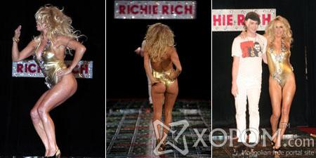 Загвар зохион бүтээгч Richie Rich-гийн шоунд Pamela Anderson оролцжээ